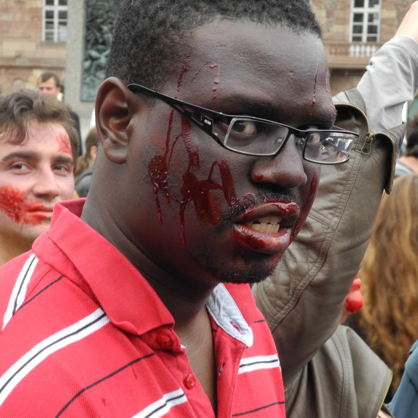 Zombies: Keine Angst, die beißen nicht. Eventuell wollen sie nur spielen. (Aber was?)