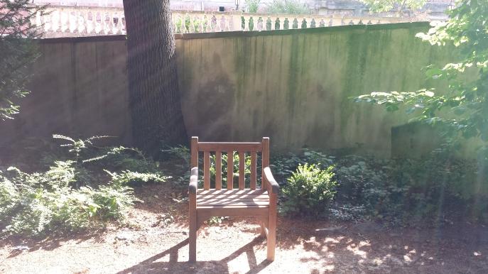Installez-vous im Garten Installez-vous!  Iim Garten der Villa Marco (Barr