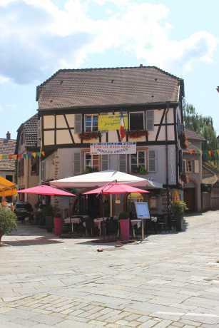 Beliebig erweiterbar: Die Bestuhlung in Zeichen von moules & frites bei Wendling