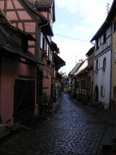 """Eguisheim hat wie """"Rebenheim"""" einen kreisrunden Stadtplan"""