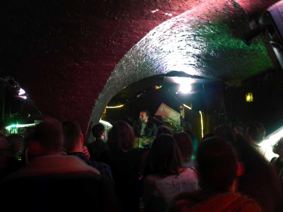 Singer Songwriter Ian Fisher (USA) im Mudd Club