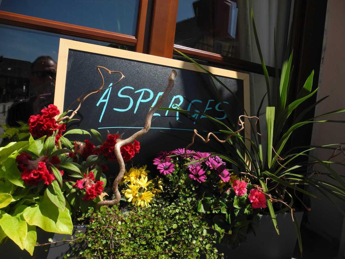 Klare Ansage: Asperges (Spargel) in Hœrdt