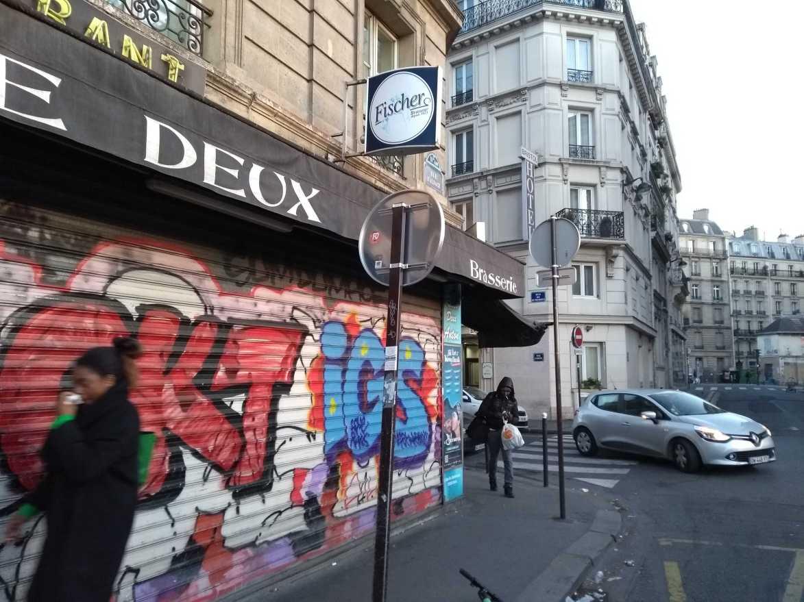 Hier ist bald eine Pop up-Winstub. Die Rue d'Alsace in Paris